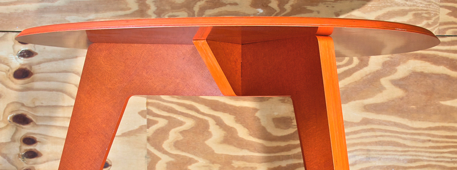 REDUX smooth serie ovale orange table FRONT DETAIL